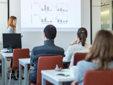 Using Digital Graphics to Make Appealing Visual Presentations