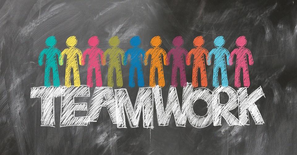 Infografica sulle cinque grandi regole per il perfetto lavoro di squadra